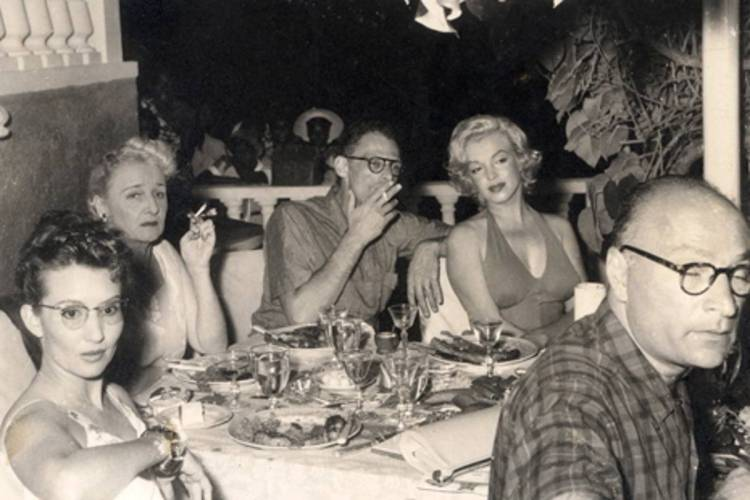 Marilyn Monroe ve Arthur Miller Jamaica Inn'de