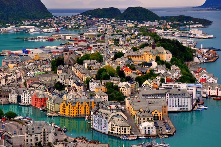 Alesund - Norveç