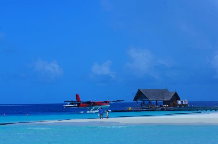 Adaya iniş yapan uçağımız