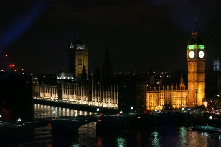 Akşam ışıklarında Big Ben