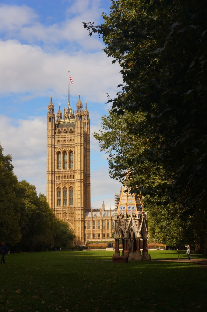 Victoria Tower Gardens'dan Westminster Palace