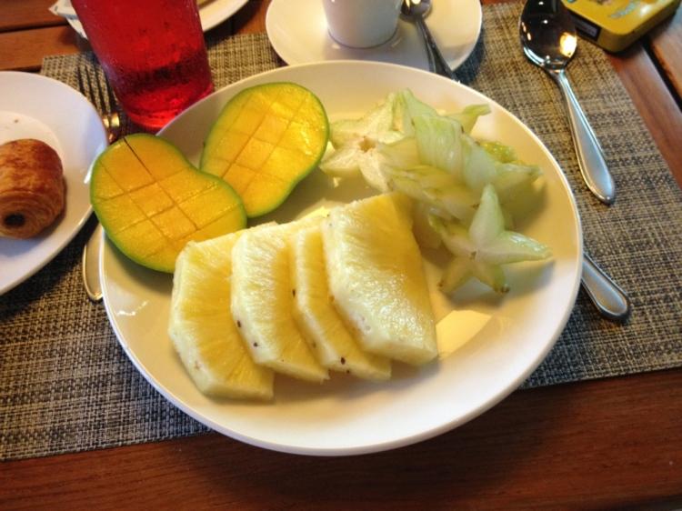 Olmazsa olmaz - Kahvaltıdan tropik meyveler :)